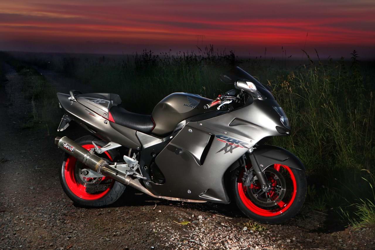 Honda CBR1100XX Super Blackbird (1996-2007) for sale ...