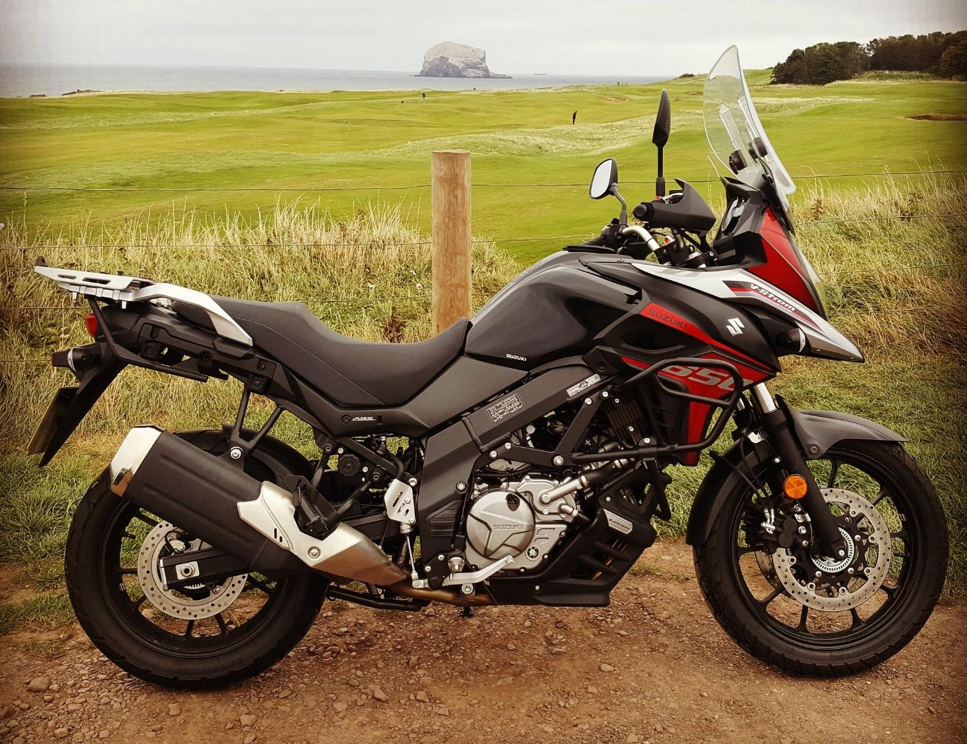Suzuki V-Strom 650 e V-Strom 650 XT 2021: promozione, kit