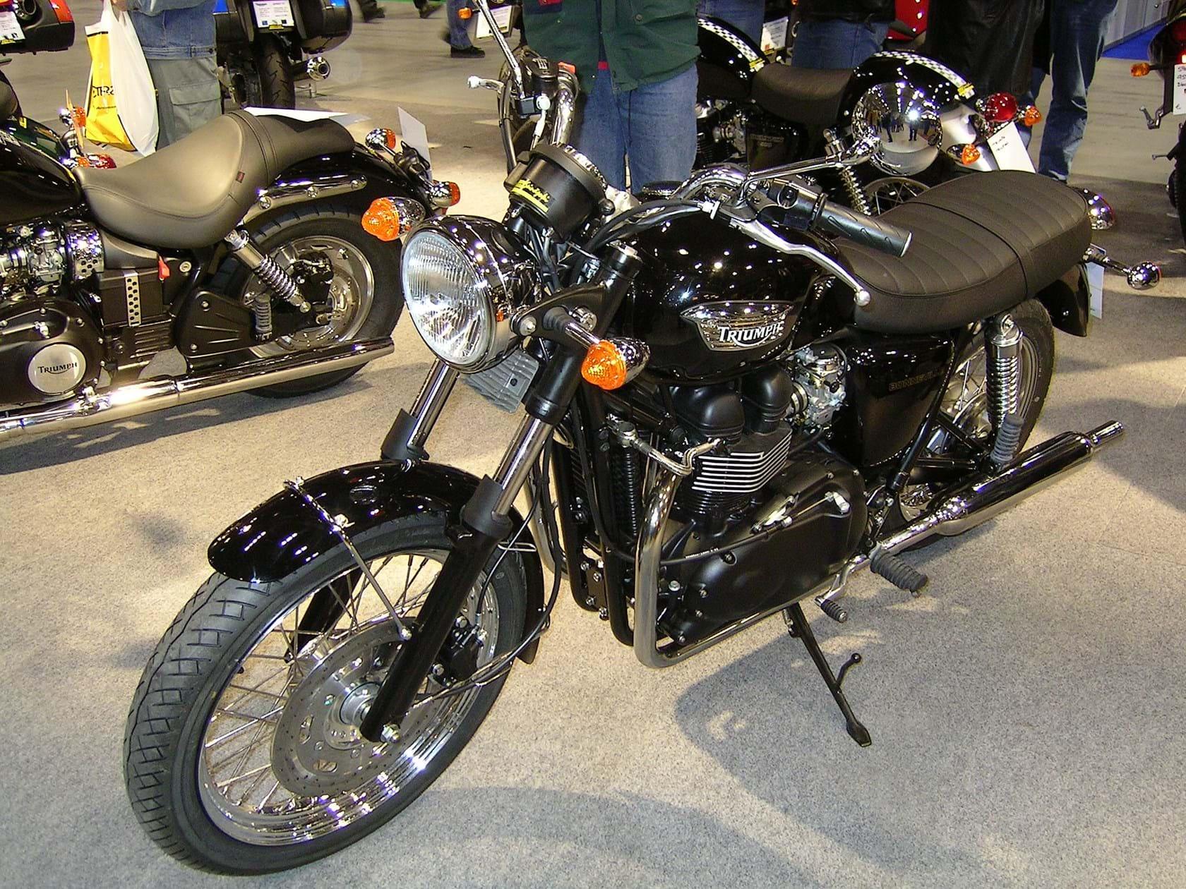 2004 bonneville t100