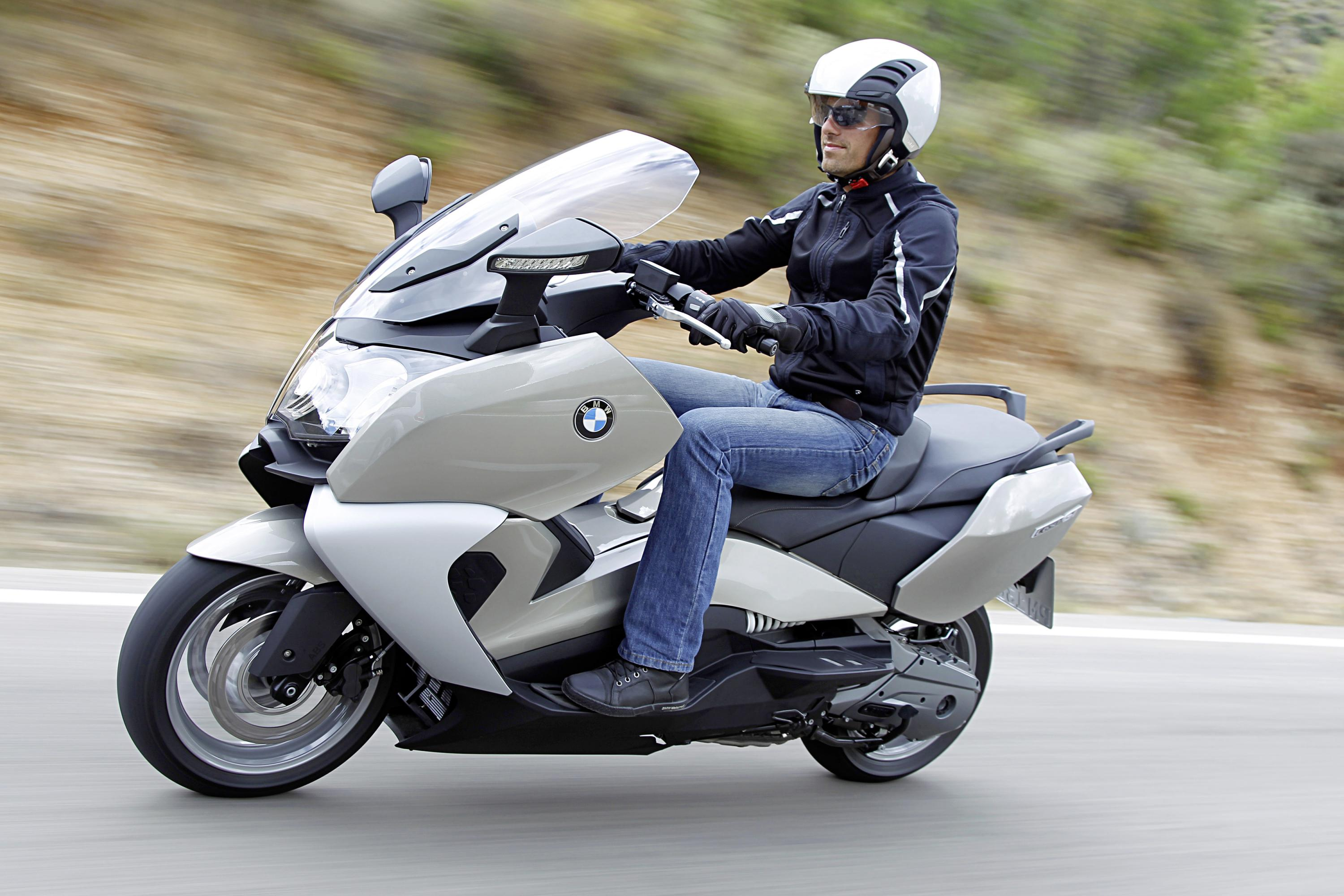 c to with evolution header bmw new a up range miles electric unveils scooter