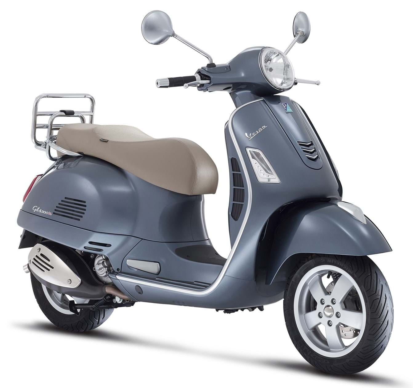 Vespa GTS300 Review. ""